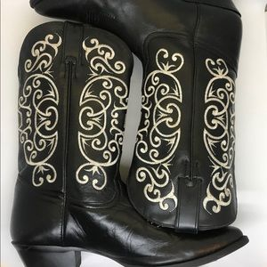 Tony Lama Black boots with white embroidery
